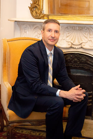 - Dr. Thomas Moulthrop Hedgewood Plastic Surgery, New Orleans